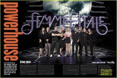 SCANS Pour V Magazine en HQ Plus Interview . Edition Janvier 2012.