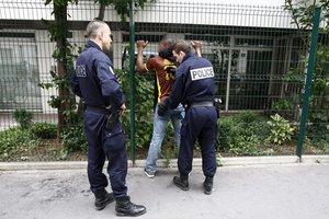 France : Des contrôles d'identité abusifs visent les jeunes issus des minorités