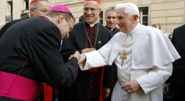 le Pontife benoît XVI Renonce a son poste de numéro 1 de l'église Catholique