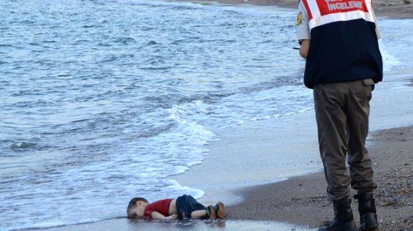 Cette photo qui montre l'horreur du drame des migrants pourra-t-elle faire changer les mentalités?