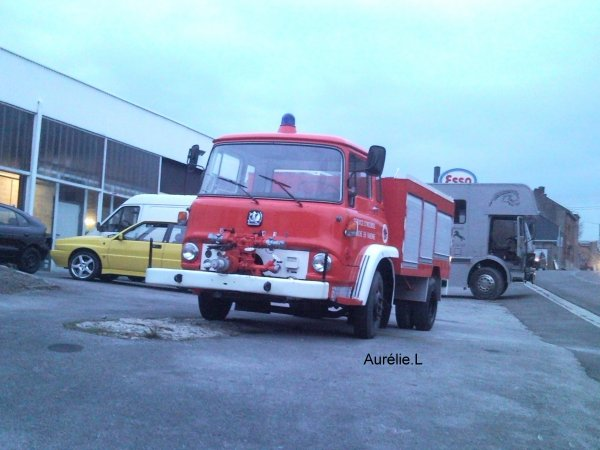 Ancien camion de marche en famenne