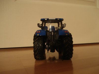 Mon New Holland T7070