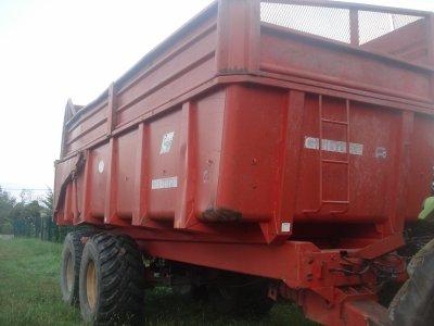 Class Axos 340 ------------------> Prêt pour la moisson du maïs qui c'est dérouler le lendemain !!