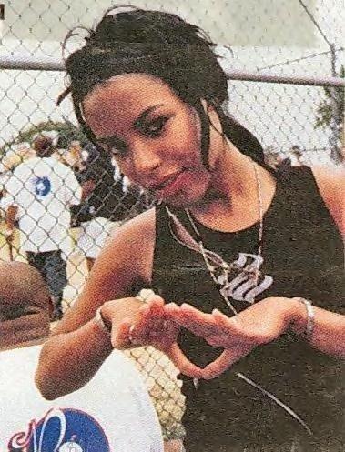 Back To Back: Ashanti & Aaliya / Try Again - Aaliyah... ♥ (2000)
