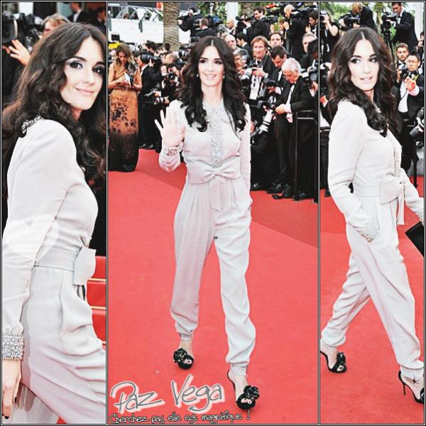 Alors que nous assistons à un 64 ème Festival de Cannes relativement sage au niveau des tenues, Paz Vega vient rehausser le niveau avec son attaque de fashionista. La belle a choisi la combi blanche pour monter les marches, et elle sait exactement ce qu'elle fait . De face, de profil, de dos, ne cherchez pas, Paz Vega est parfaite.