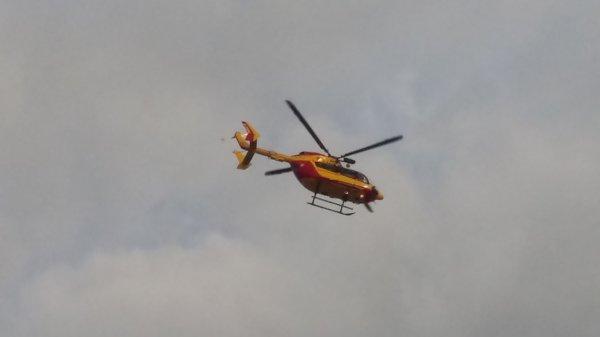 Hélicoptère de la sécurité civil au dessus du Chu Sud Amiens