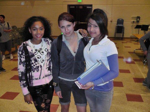 Aanysa et des fans at SCHOOL TOUR Feb 10, 2012 Belvedere MS