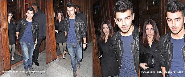 .   29 & 30 décembre 2010  - Ashley et Joe arrivant a l'aéroport de Los Angles. Ashley et son boyfriend à la première d'une boîte de nuit. Ashley est trop marrante à l'aéroport !  .