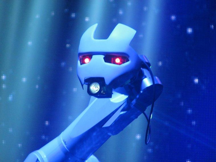 Mylene Farmer Timeless 2013 Robot