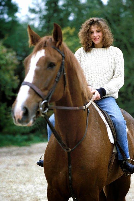 Mylène Farmer a cheval.