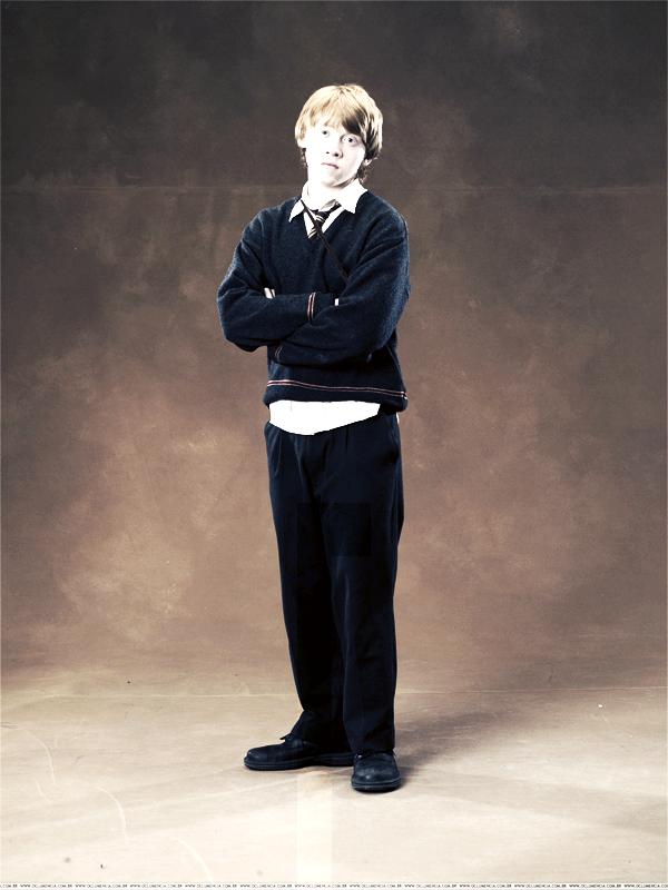 . ♦Ronald Billius Weasley!Connut sous le nom de Ron, c'est l'un des principaux personnages de la saga Harry Potter. Il est le meilleur ami d'Harry Potter et fait partit de Gryffondor.