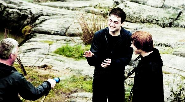 10 ans que le premier Harry Potter est sortit en France <3