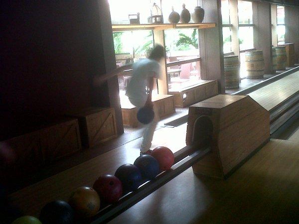 une partie de bowling avec mon petit frere à center parcs suite