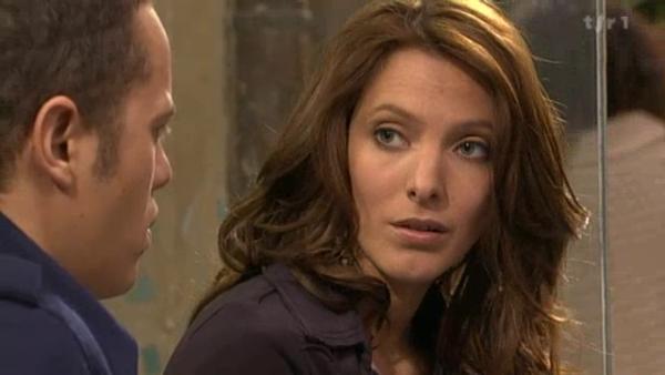 Estelle avoue a Rudy qu'il ont coucher enssemble la nuit du meurtre de Picmal , sauf que le lendemain elle a regreter en penssant a Djawad  ( EPISODE 1705 - 22/04/2011 )