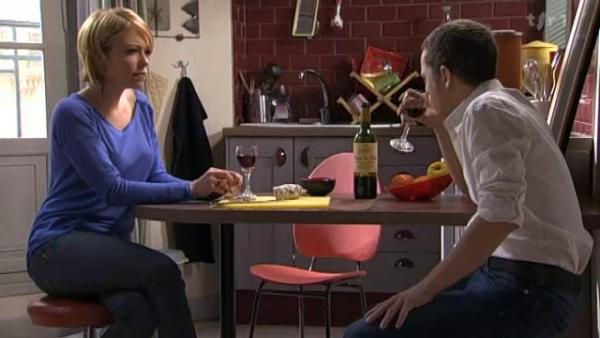 Rudy se rend compte qu'il n'y a aucun espoir qu'Estelle revienne vers lui  ( EPISODE 1705 - 22/04/2011 )