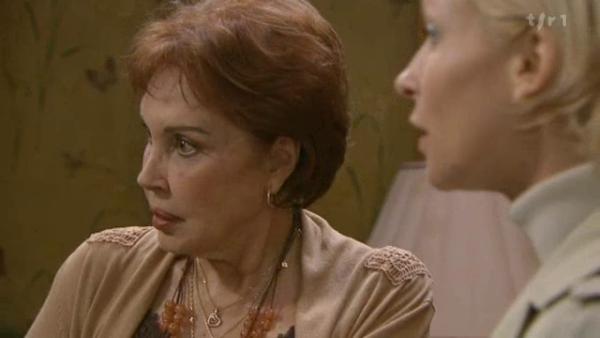 Céline invite Mirta et Wanda a aller faire du shopping  ( EPISODE 1707 - 26/04/2011 )