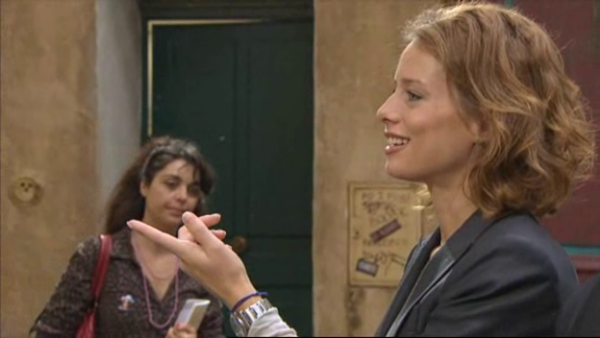 Eve aprend par Johana que si Rudy n'etait pas venu a leur rendez vous c'est parce qu'il etait mis en garde a vue  ( EPISODE 1709 - 29/04/2011 )