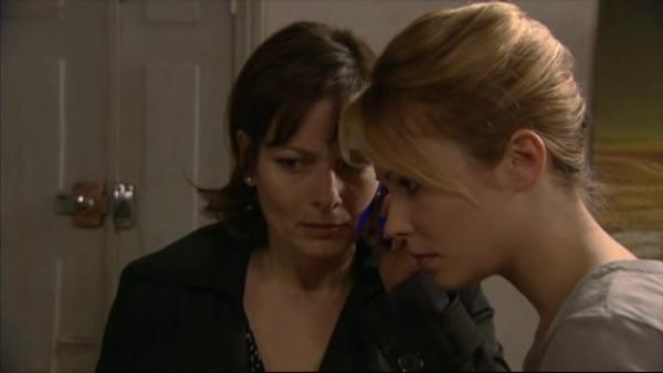 Norbert telephone a Blanche et lui demande de lui rendre l'argent qui est cher elle , si elle ne le rend pas Wanda sera morte   ( EPISODE 1709 - 29/04/2011 )