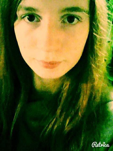 Je suis pas maquiller au yeux;fermetagueule.