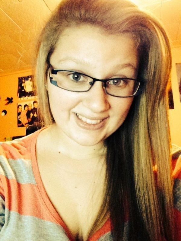 Il faut savoir sourire a la vie :) essayer sa ne fais de male a personne ;)