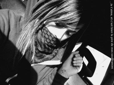 Il y a deux baisers que je n'oublierai jamais, le premier et le dernier que tu m' as donné .. </3