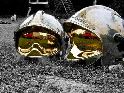 La fierté d'un pompier, le casque F1