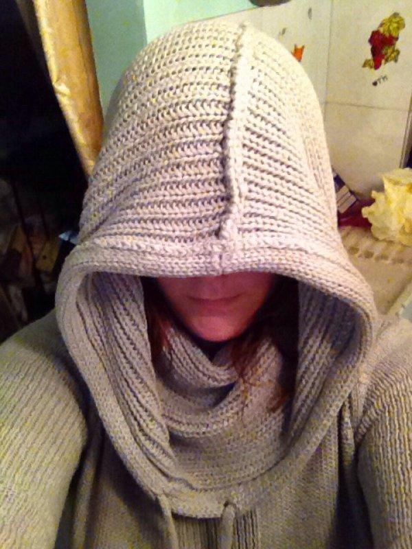 Et voilà avec le col de mon pull-robe je peut me cacher ;)