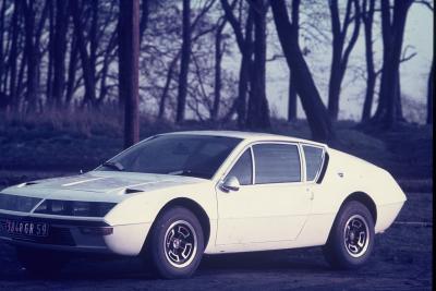 Une des Alpines  A  310  d'Eugène, passionné de voitures , circuit et Bolides ,  Les Années du Caméléon  1968 -1974 .