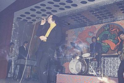 Condé sur Escaut  : Chanteur venu au Caméléon : Jean-François Mickael le 15 février 1970