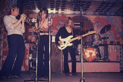 THE DREAM  -  06 / 03 /  1970  en concert sur la scéne du Caméléon .