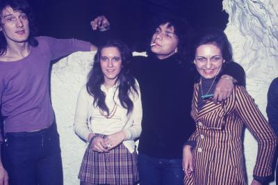 Photos Archives personnelles de M José Deregnaucourt - Joël  DAYDE ( Mamy Blue ) les Années discothèque du  Caméléon super Dancing 2000 places de Condé /sur /Escaut, 1968 - 1974.