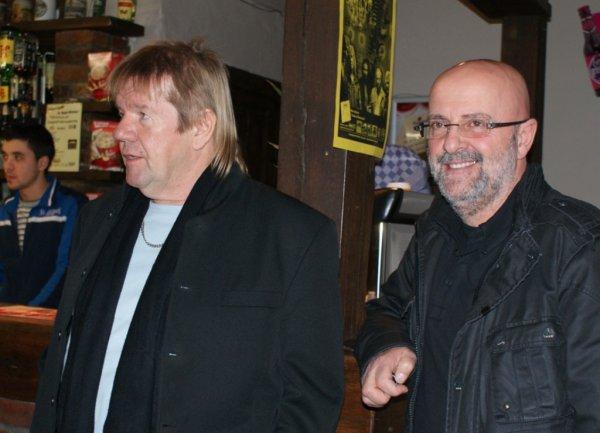 Concert en Belgique du Groupe TITANIC   le 13 / 12 / 2009  ,  JAN  LOSETH du Groupe  TITANIC et Rosario   .