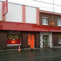 """L'ancienne Discothèque des Parents à Eugène Bernhard """" L'Eden Ranch """"ou sont passés les plus grands  Artistes , chanteurs ,  Musiciens et les meilleurs groupes de l'époque     ( 1966 - 1974 ) à Loisons - sous - Lens ( 62218 )  pas - de Calais , ici en  photo en 2016 ."""
