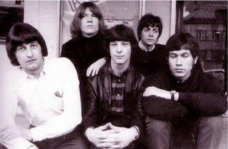 Il est venu en concert live le dimanche 3 Novembre 1968  au Caméléon Super Club Discothèque Dancing 2000 places à Condé sur Escaut chez Eugène , Herbert Léonard à ses début avec son groupe les Lionceaux.