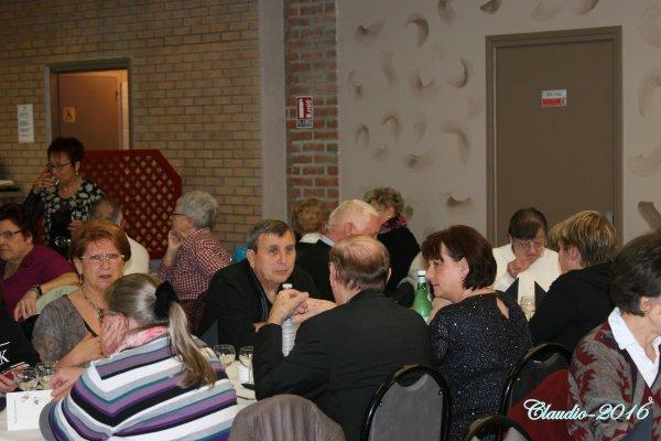 Une bien belle soirée entre amis ( la suite ) Josée de Belgique et ses Copines  .