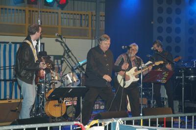 En 2005 José pour le premier anniversaire des 35 Ans du Caméléon avait fait venir le groupe MENPHIS en Concert , Daniel on pense à toi  R I P  .