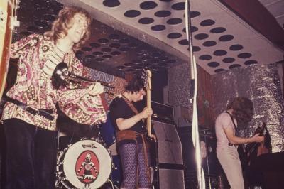 Le 1er juin 1970, les STORMS, en concert live sur la scène du Caméléon à Condé sur Escaut, quelques semaines avant leur tragique destin.
