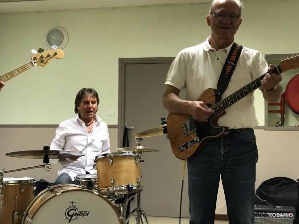 C'était hier lundi 22 Mai, première répétition des Éclipses, le groupe mythique de nos années Sixties de Condé  /  sur  / L'Escaut  , de gauche à droite , Gérard Wittevrongel ( dit Mita le Bassiste )  à la Batterie Jean- Marie Cousin, Guitare Rythmique Jacques Janura, Guitare Lead Jaky Maes, photos Rosario.