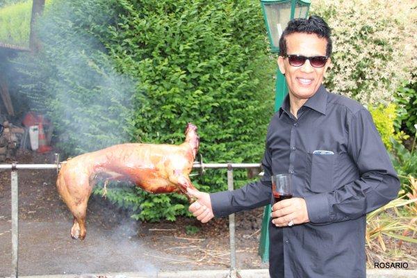 C'est sous l'½il du chef Vigon en compagnie des sympathiques cuisiniers .