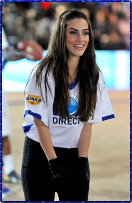 "Jessica présente au ""DIRECTV's Fifth Annual Celebrity Beach Bowl"""