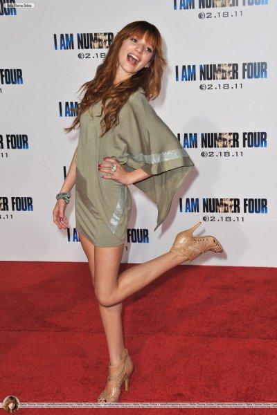 Tu veux t'habiller comme Bella Thorne !
