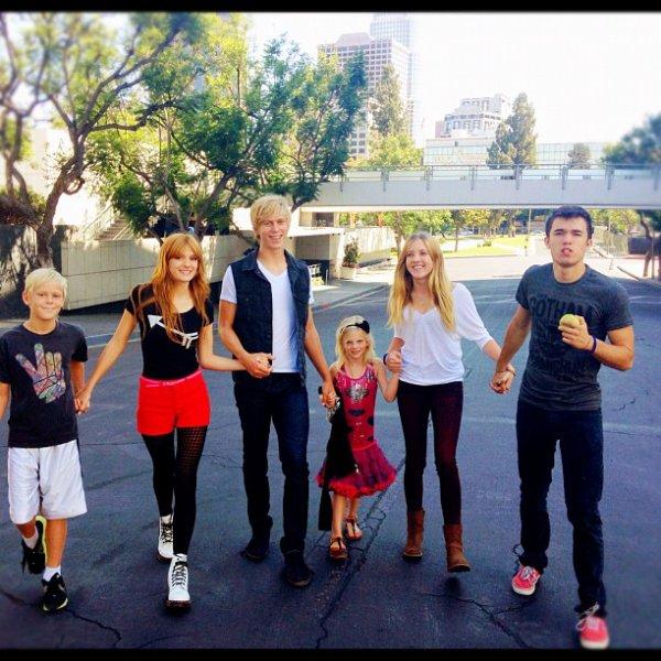 Photos Twitter de Bella Thorne! (2)