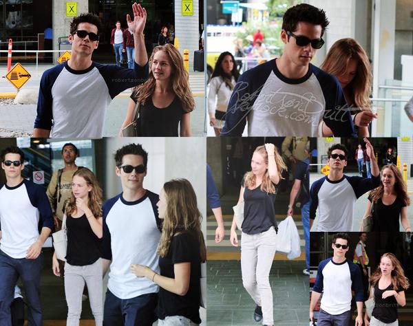 14.09.13 | Notre petit couple a été vues à l'aéroport de Vancouver, Canada.