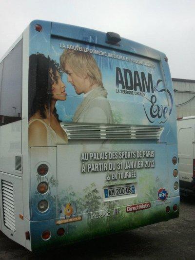 Les Flowerbus pour la 1ère d'Adam & Eve le 31 Janvier 2012