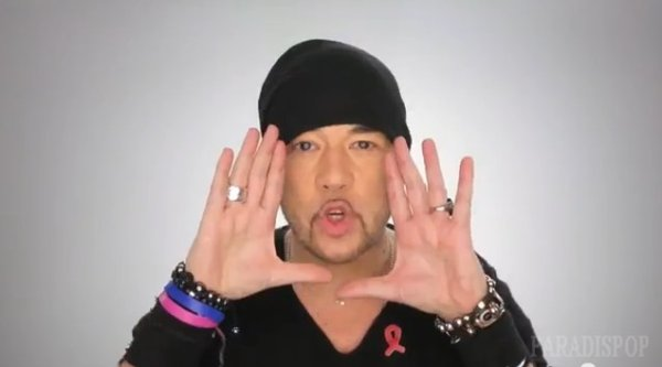 VIDEO Voici le CLIP #KissAndLove @Sidaction signé @ObispoPascal @LineRenaud - by @Paradispop