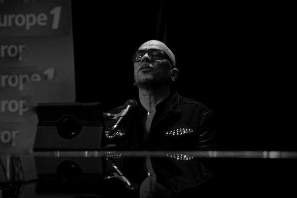 REPLAY @ObispoPascal en Live sur @Europe1 #SortezDuCadre avec @NikosAliagas samedi 25 Octobre
