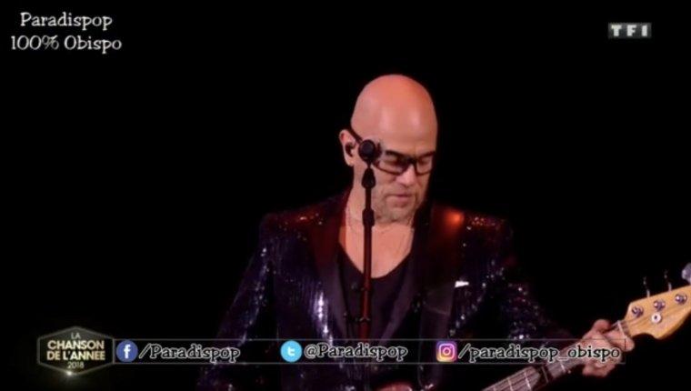 """Pascal OBISPO """"Chante la Rue"""" en direct à """"La Chanson de l'année"""""""