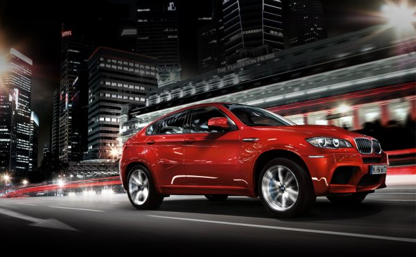 The 2014 BMW X6 ranks 16 out of 18 Luxury Midsize SUVs
