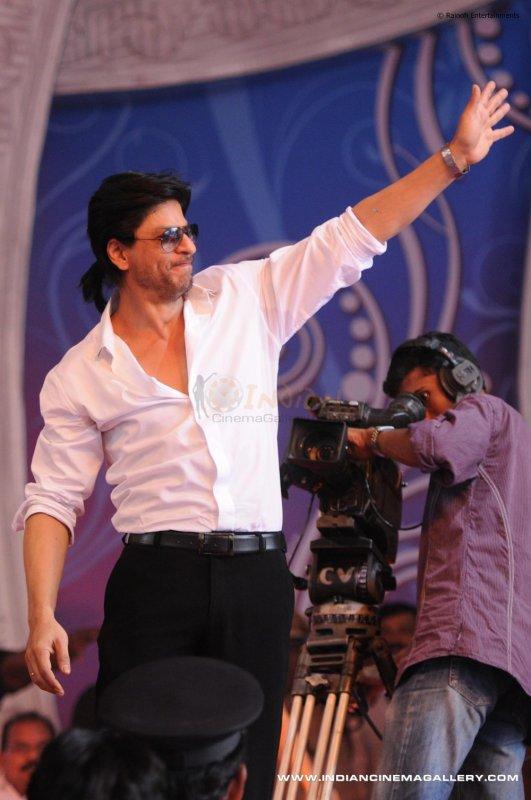 Shahrukh à l'inauguration de la salle d'exposition d'Emmanuel Silks