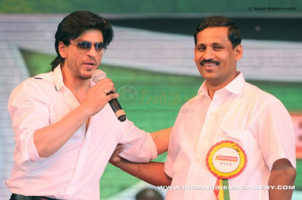Shahrukh à l'inauguration de la salle d'exposition d'Emmanuel Silks (3)